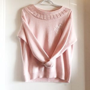 Vintage light pink sweater with lace appliqué